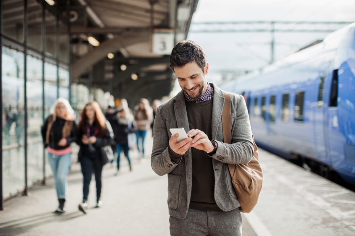 Man answers lotto phone call on train
